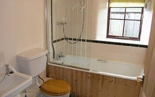 The Byre - Bathroom